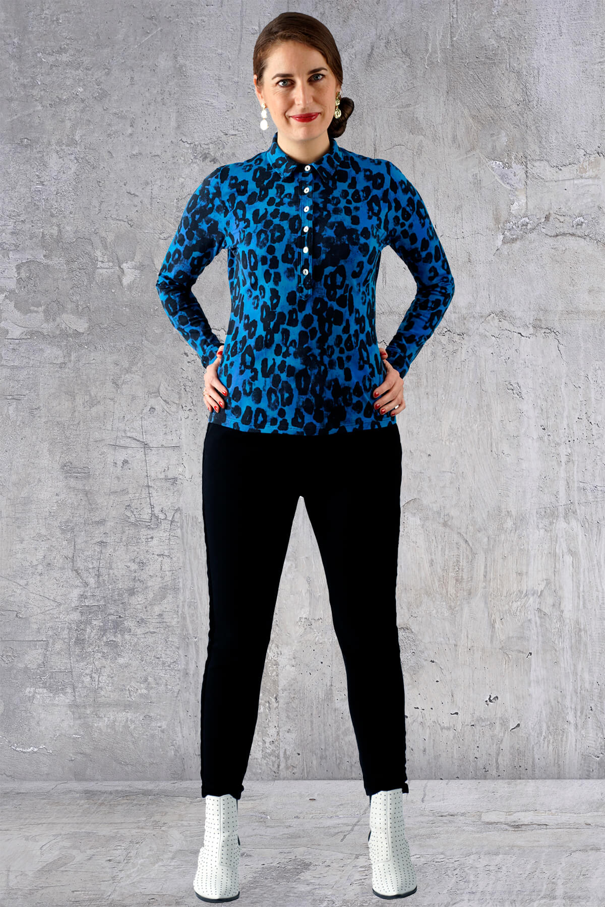 Sort blå dyreprint skjorte