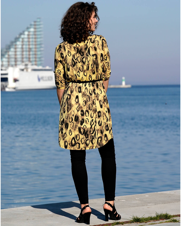 Lys gul leopard skjortekjole