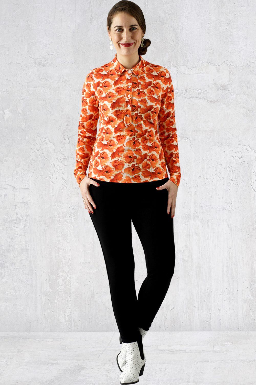 Orange blomstret skjorte